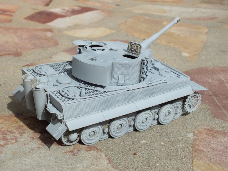 Tiger I Late version ,tamiya 1/35 (début de patine) 874842DSCF5799