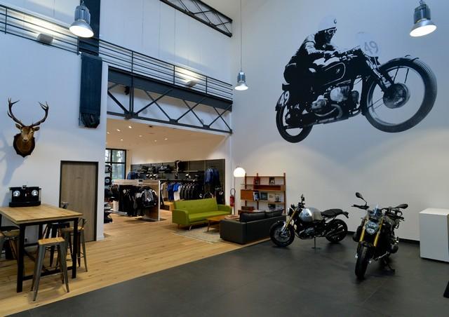 MOTO LOFT: Une nouvelle concession BMW Motorrad en Ile de France 875244P90208091highResmotoloftanewbmw