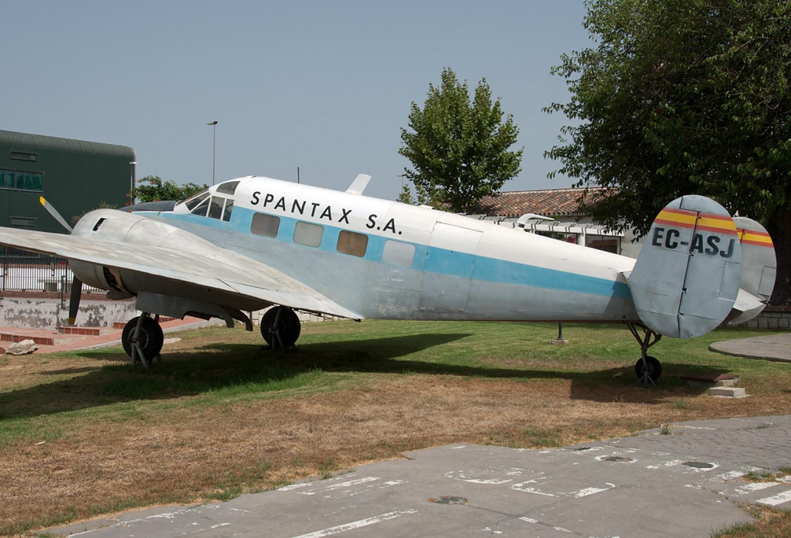 FRA: Photos anciens avions des FRA - Page 5 8761747790404216f6360d2515b