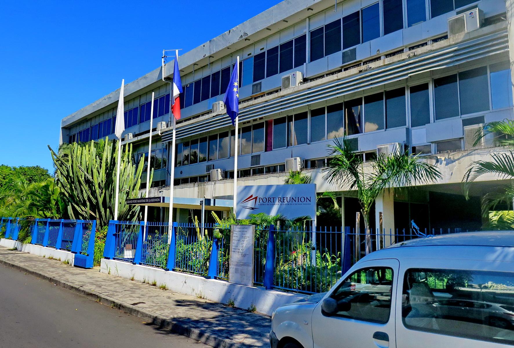 [Vie des ports] Les ports de la Réunion - Page 9 876549floral258