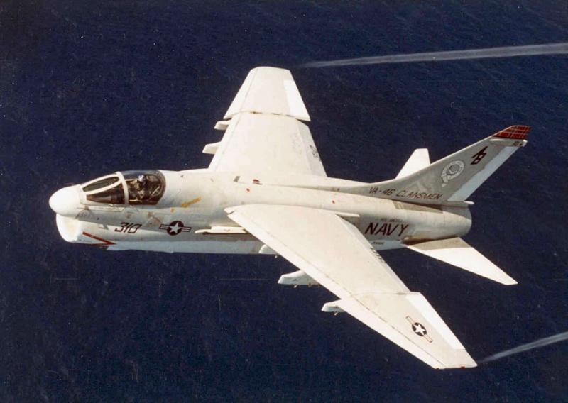 LTV A-7 Corsair II [NOUVELLE VERSION] 876719LTVA7ECorsairII28