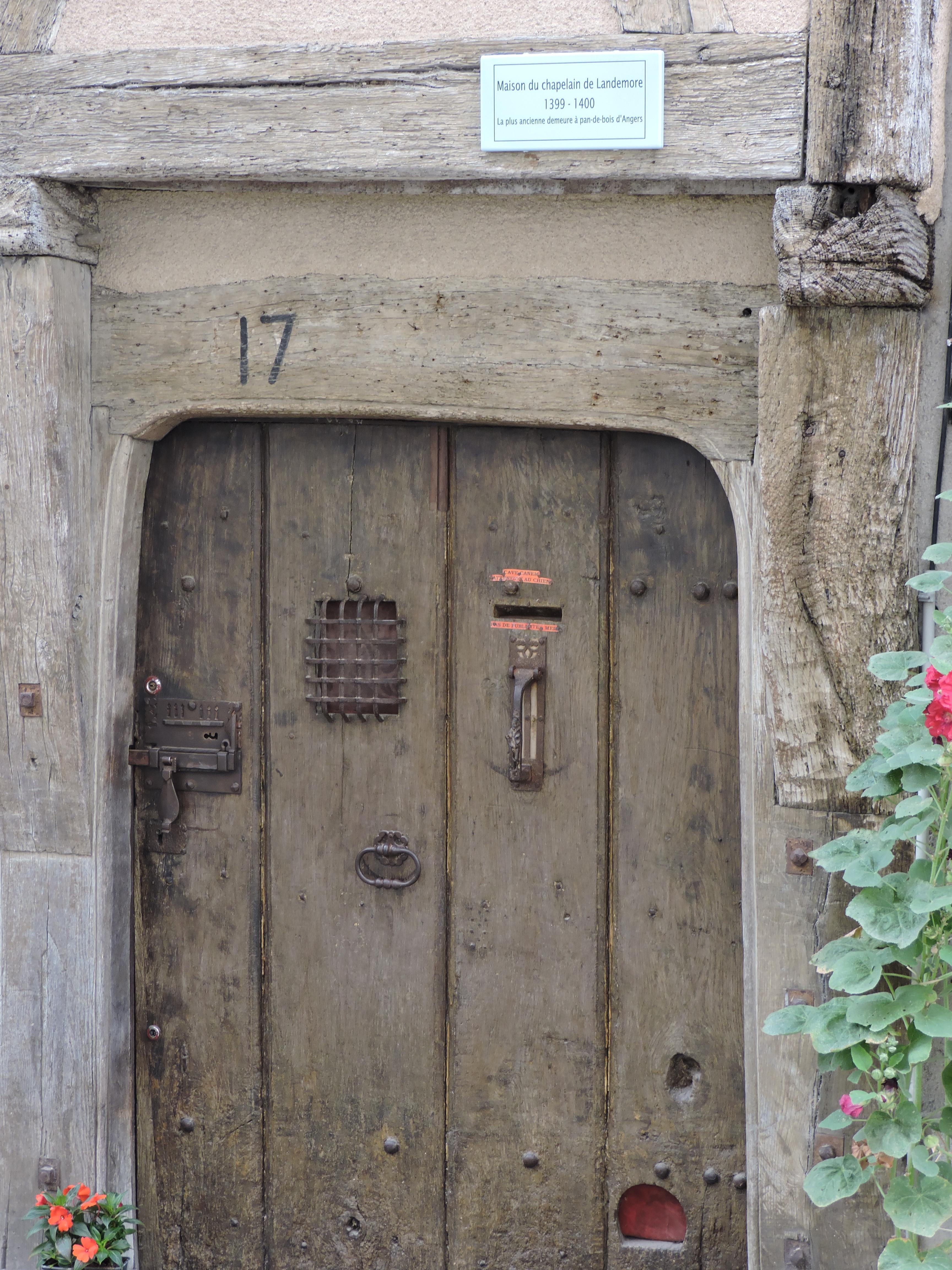 Fil ouvert-  Dates sur façades. Année 1602 par Fanch 56, dépassée par 1399 - 1400 de Jocelyn - Page 4 876840DSCN2909