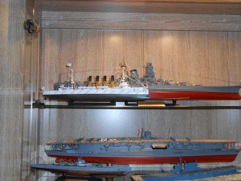 """Croiseur Russe """"VARYAG"""" 1/350 PE + Pont en bois de chez Zvezda 877515Croiseur025"""