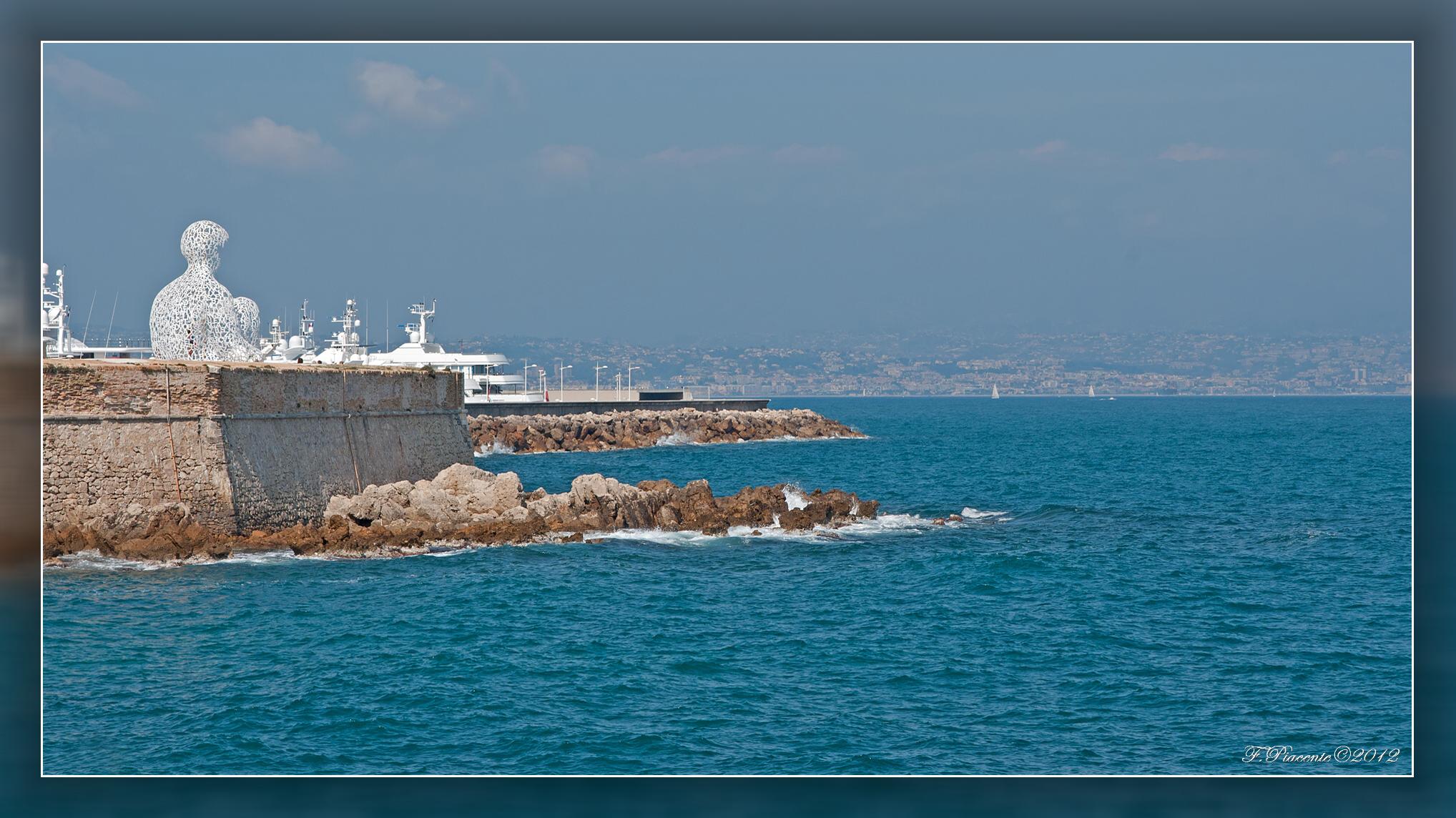 Antibes alpes maritimes. 877851StatueLeNomade