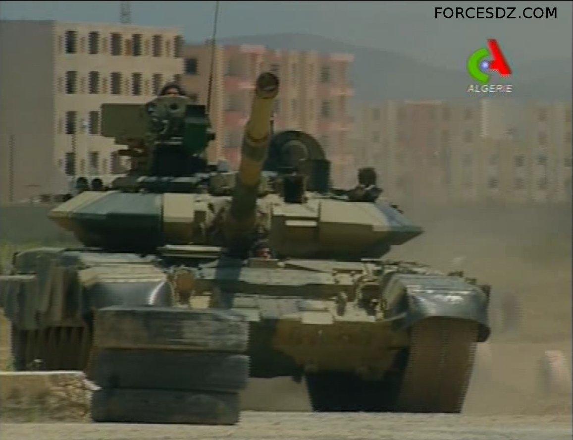 الجزائر ........ صفقة جديدة لشراء 120 دبابة T-90S - صفحة 4 878883T90