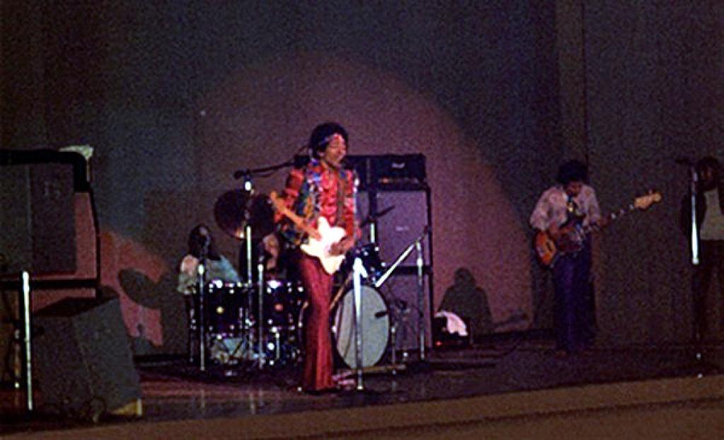 Milwaukee (Milwaukee Auditorium) : 1er mai 1970   88000519700501Milwaukee02