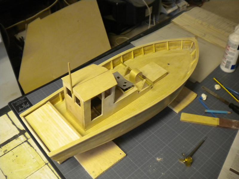 barque chalutiére au 1/20è d'après plans - Page 4 882424DSCN2224