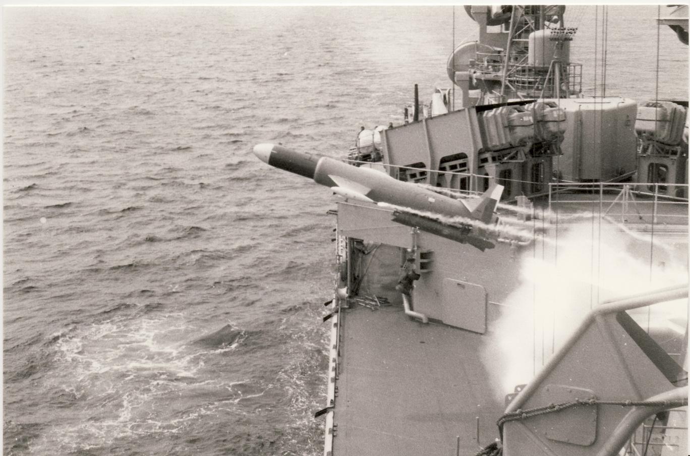 [ Les armements dans la Marine ] Le Malafon 884697SUFFREN11