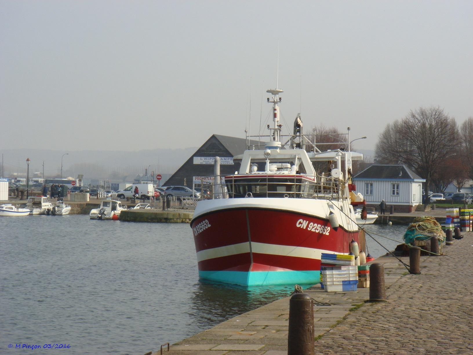 [VIE DES PORTS] Quelques bateaux de pêche (sur nos côtes Françaises) - Page 21 885880DSC010167