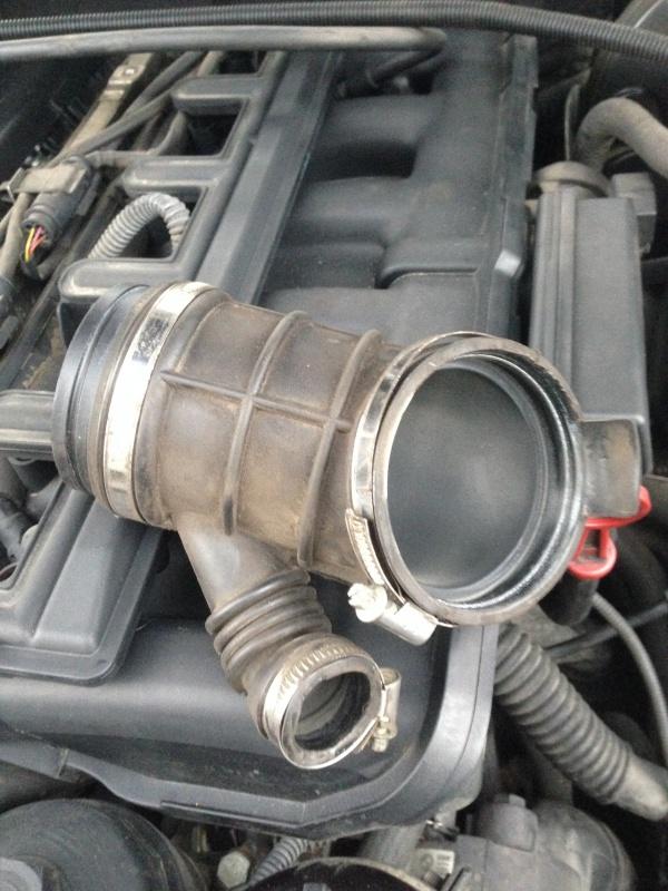 [Moteur M52TU/M54] Changement soupape de ventilation d'huile 888663IMG5165