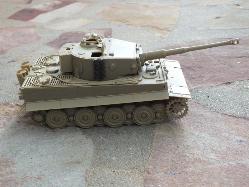 Tiger I Late version ,tamiya 1/35 (début de patine) 892140DSCF5793