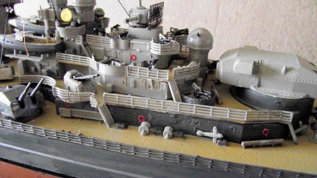Tirpitz Revell au 1/350° 895768TipitzRevell1x35012