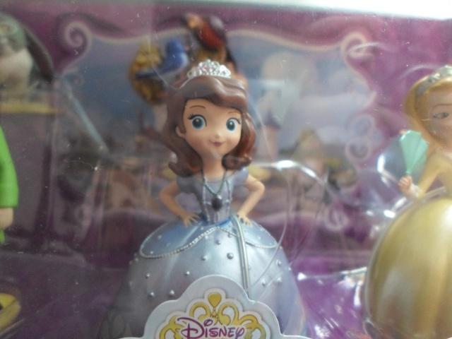 Princesse Sofia - Page 7 895946SAM0535