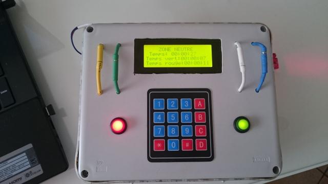 Boitier avec plusieurs mode de jeu 896222DSC0079