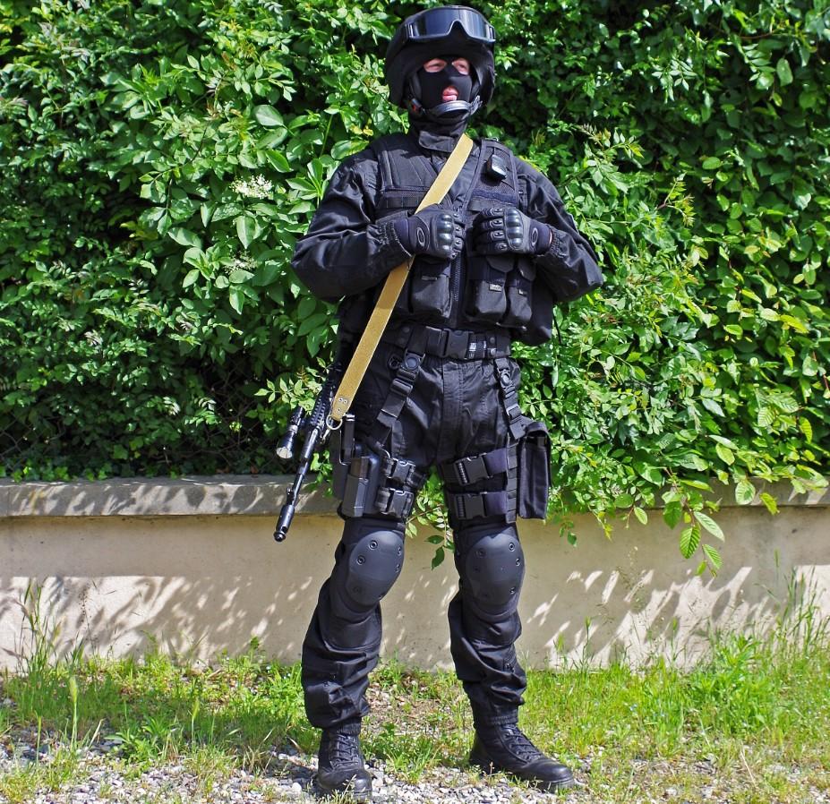 Black Unit FSB 90680020130609195826
