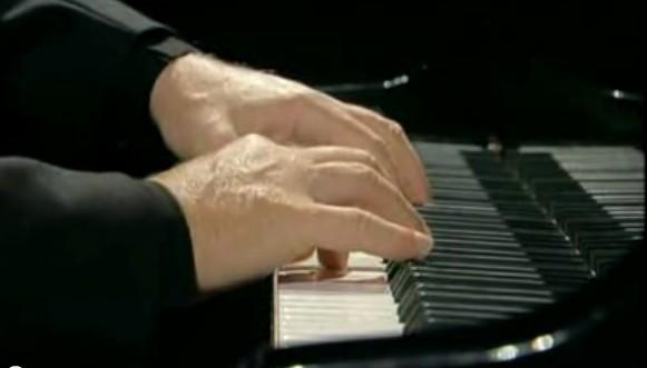 Le QUIZZ des PIANOPHILES à coucher dehors... - Page 6 907971676