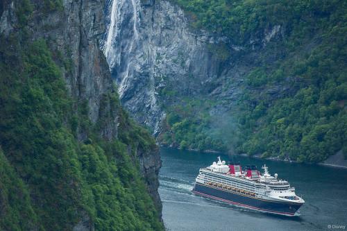 [Disney Cruise Line] - Disney Magic de retour en Europe en 2017 et 2018 - Page 3 908325DCLDisneyMagicFirstCallGeiranger500x333