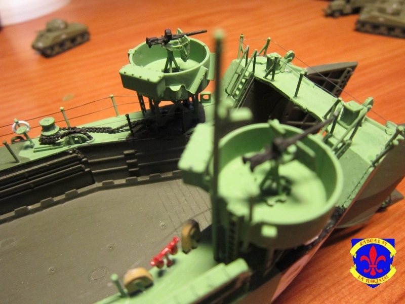 U.S. Navy Landing Ship Médium (Early) au 1/144 de Revell par Pascal 94 - Page 14 909744IMG44021