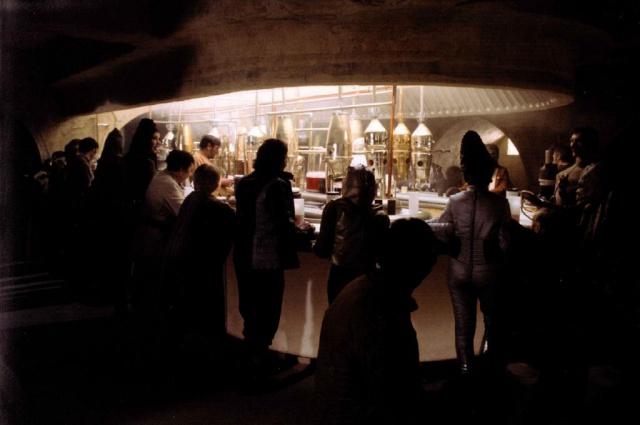 Star Wars - les six premiers films [Lucasfilm - 1977-2005] - Page 3 914834swlon18