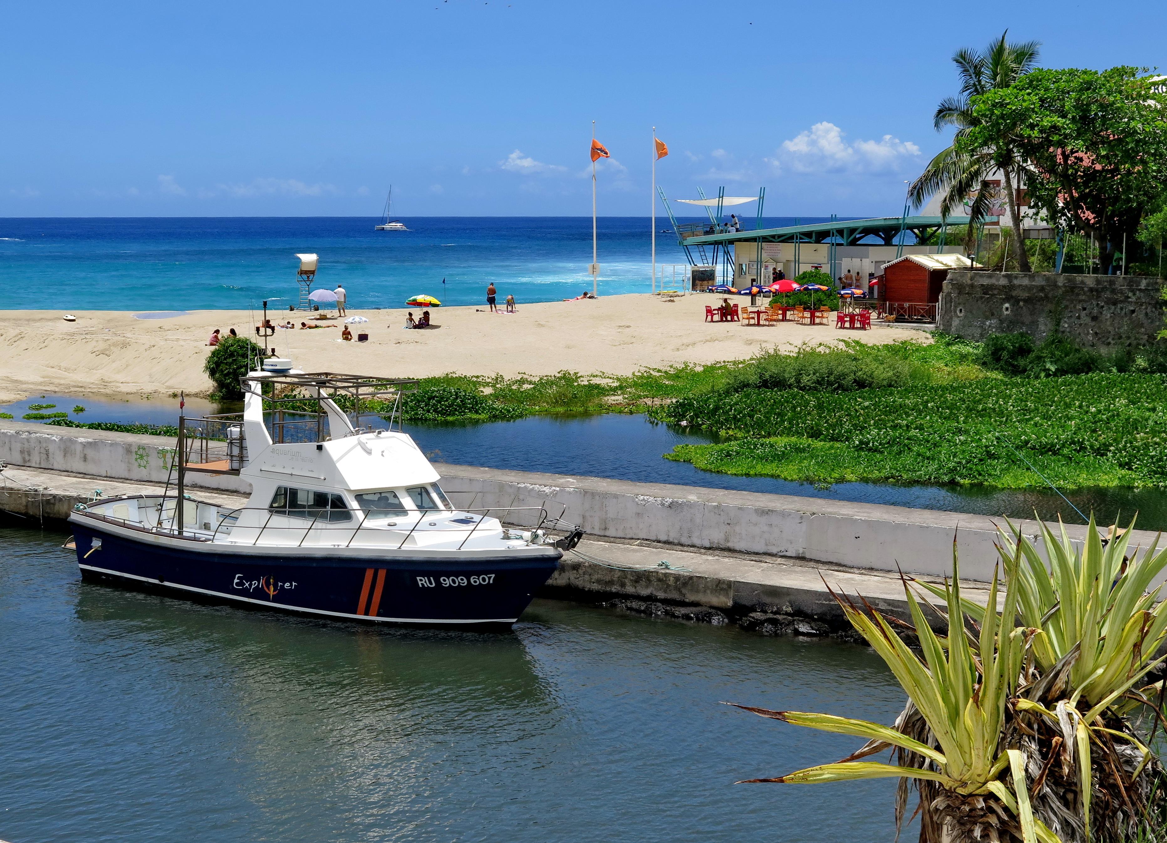 [Vie des ports] Les ports de la Réunion - Page 3 914864marchsaintpaulstgilles220