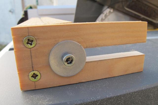 fabrication d'une pince pour scie sur table  919024dewaltd