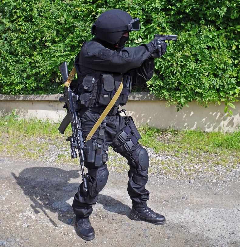 Black Unit FSB 91915320130609195647