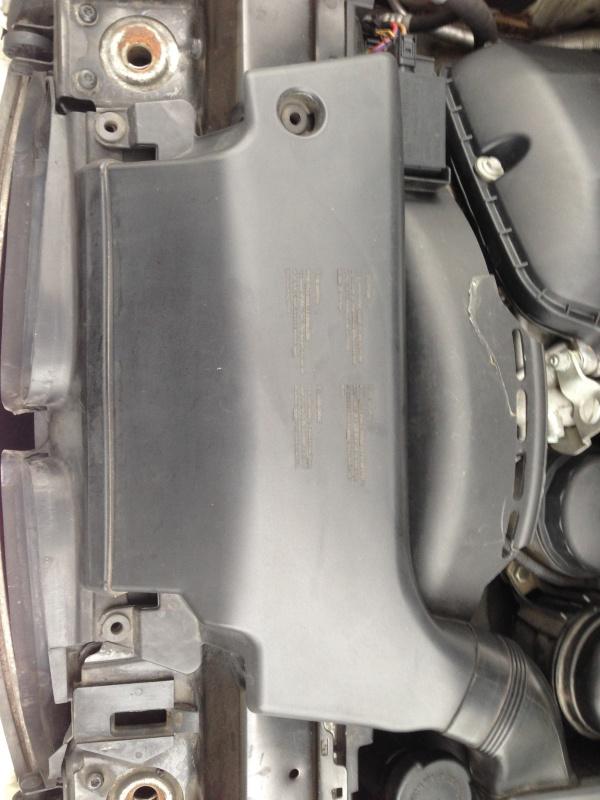 [Moteur M52TU/M54] Changement soupape de ventilation d'huile 922065IMG5157
