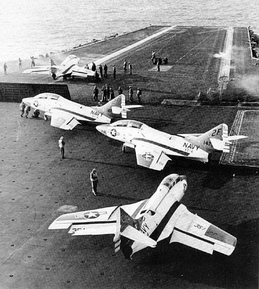 GRUMMAN F9F PANTHER  926740TF_9J_USS_JFK_1974