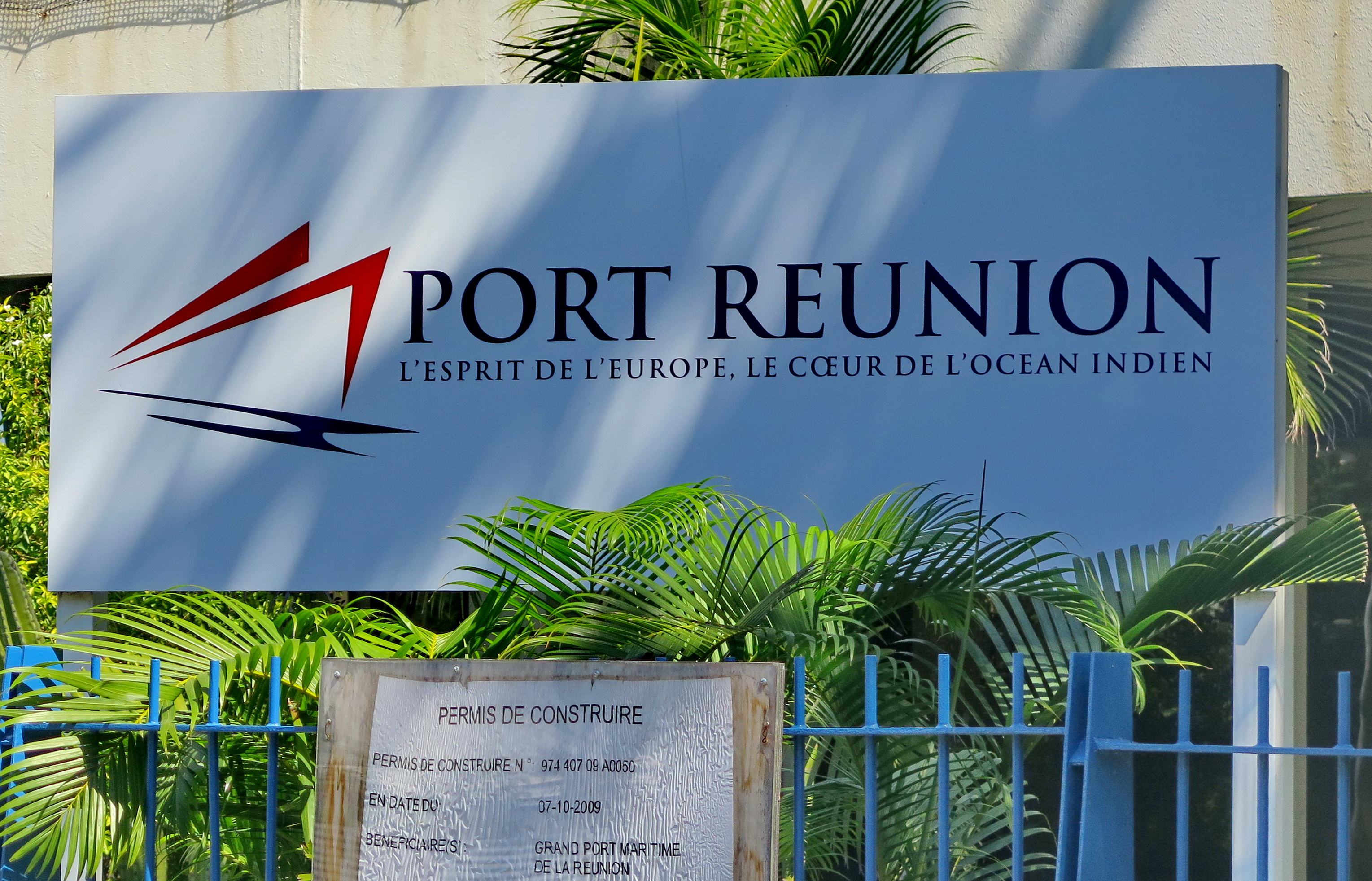[Vie des ports] Les ports de la Réunion - Page 9 927756floral259