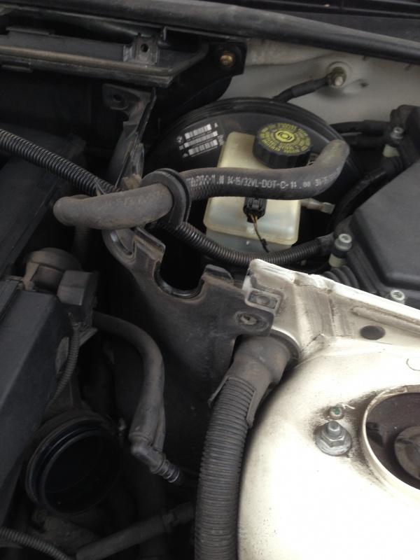 [Moteur M52TU/M54] Changement soupape de ventilation d'huile 928281IMG5161