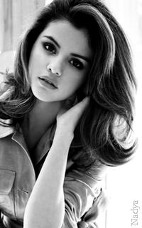 Selena Gomez - 200x320 930692vavaEthna22