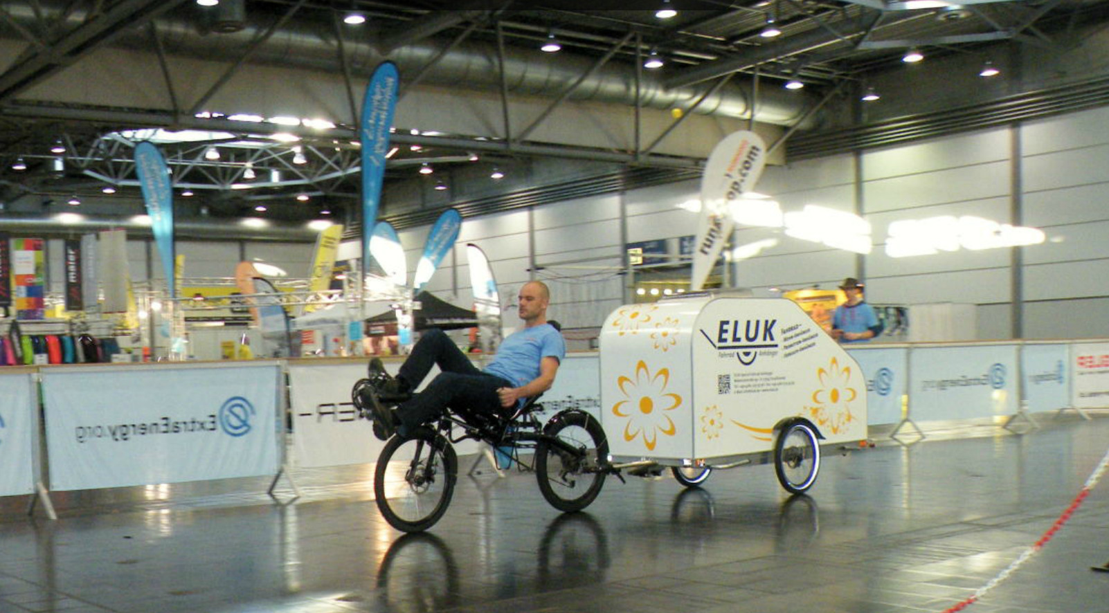 Caravane pliante, pour vélo ! 936500eluk
