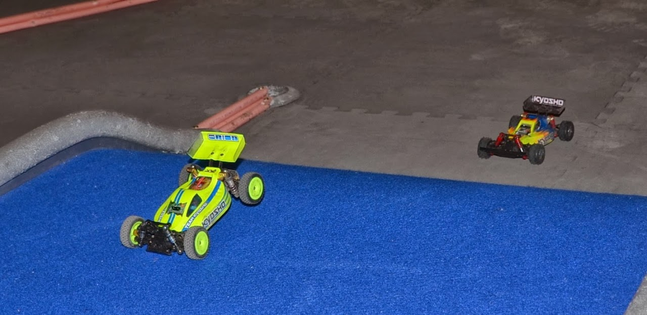 Challenge mini z buggy RC94 2013/2014 - Page 2 944314DSC0553