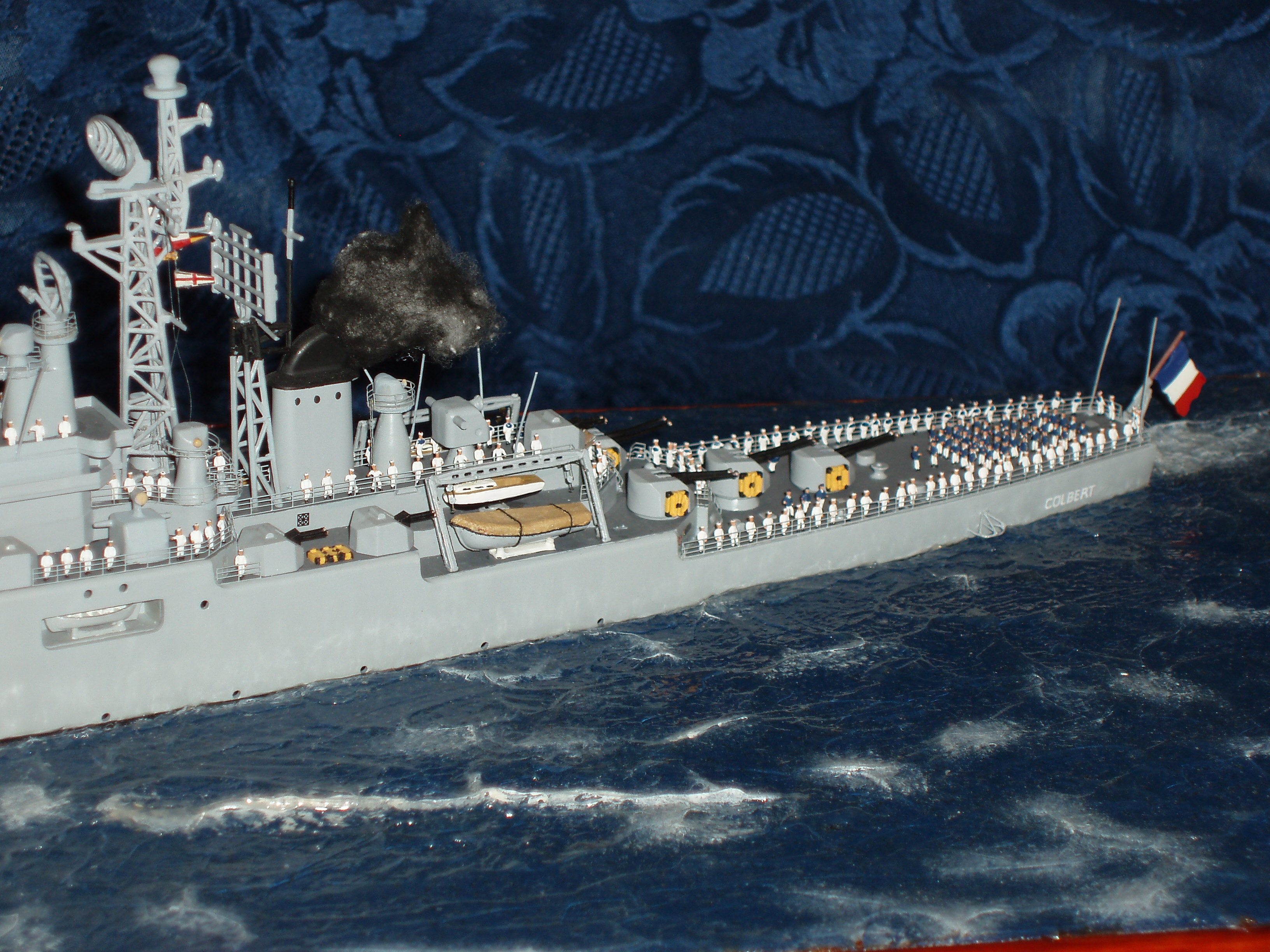 Le Croiseur COLBERT, Heller 1/400 +photodecoupe + resine 94900027s6