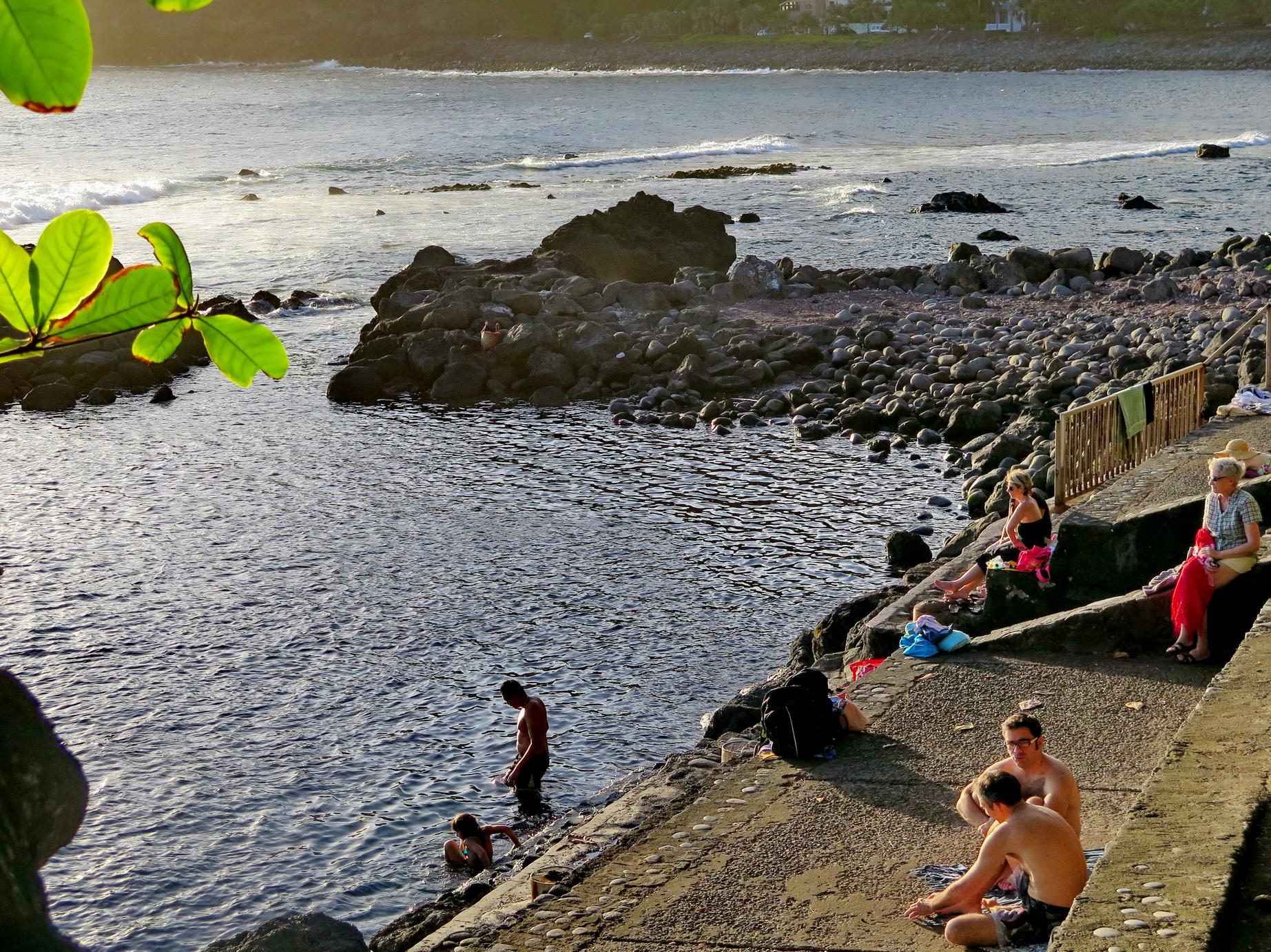 [Vie des ports] Les ports de la Réunion - Page 4 952268IMG0300