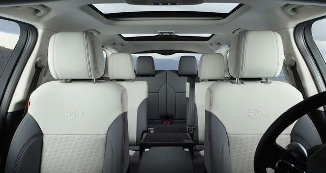 Nouveau Discovery SVX : Land Rover dévoile son champion tout-terrain au Salon de Francfort 955920l46219mysvx008glhddown