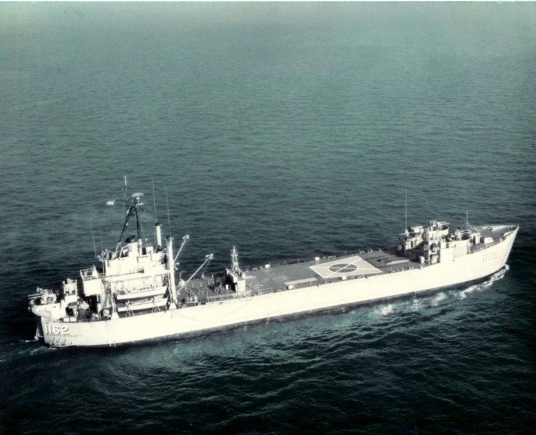LANDING SHIP TANK (LST) CLASSE NEWPORT  959031USSWahkiakumCountyLST1162