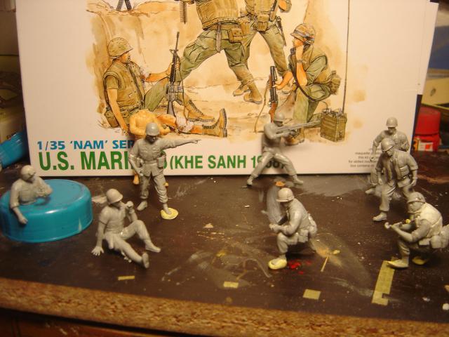 M-41 Walker Bulldog Hué 1968  - Page 2 960961M_41_figurines_Marines__3_