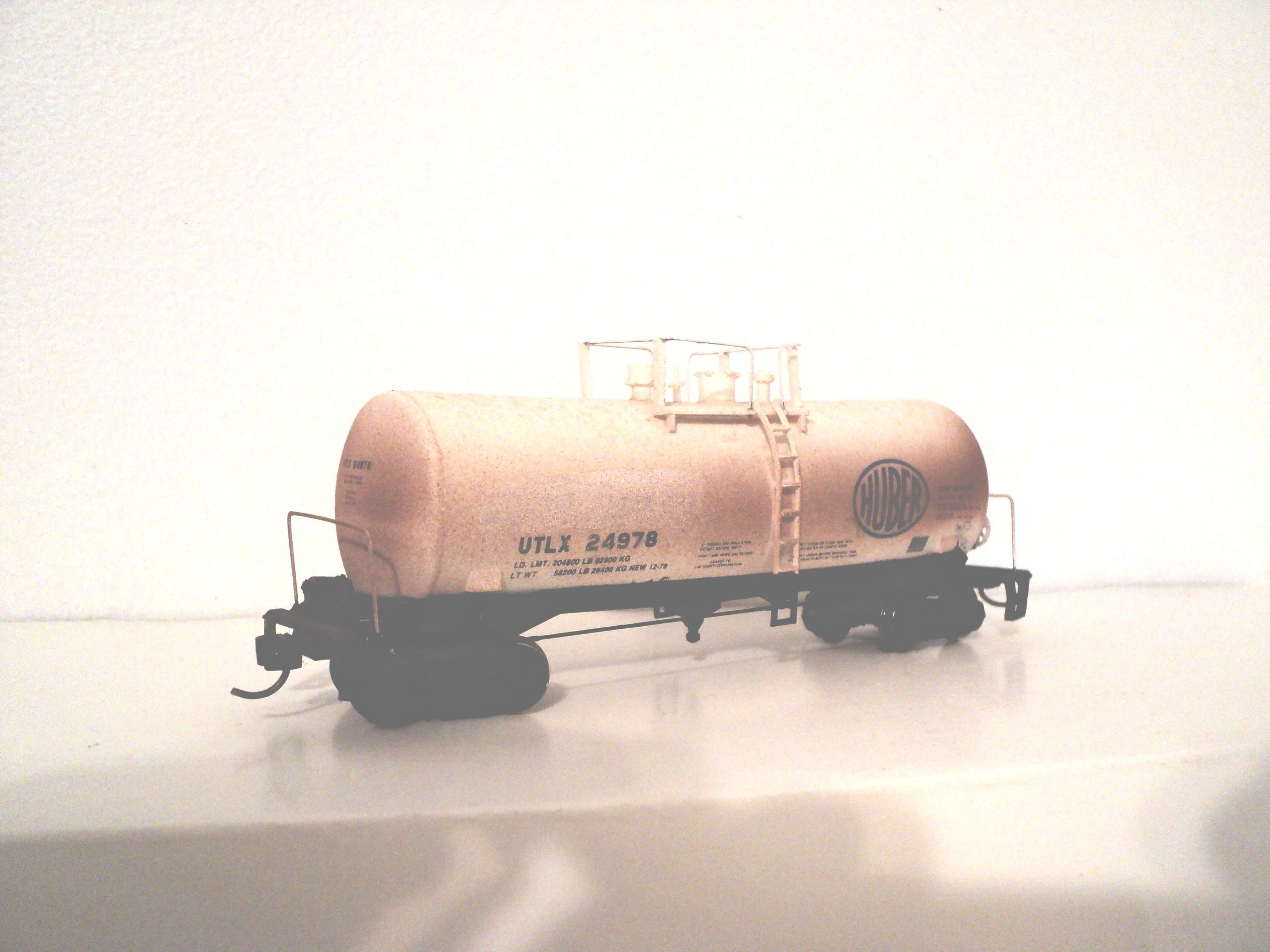 Trains HO (1/87) - wagons rebuilt 968084UTLX24976tankcar42