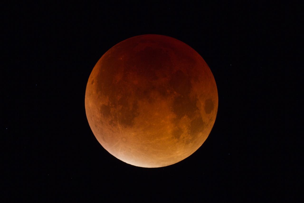 L'éclipse de lune du 28 septembre 2015 970360clipsedu28092015