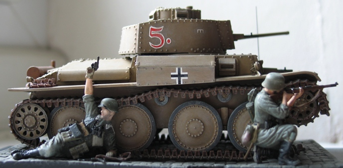 panzer Kpfw 38 t ausf F Tristar 1/35 970834modles109014