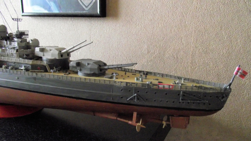 Tirpitz Revell au 1/350° 973629TipitzRevell1x35011