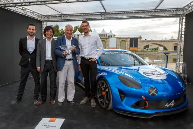 Alpine Célébration reçoit un prix spécial du jury au concours d'élégance de Chantilly 9746587135016