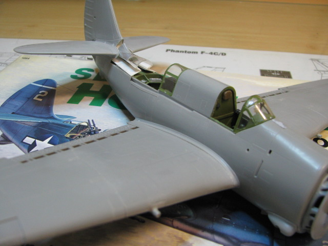 Curtiss SB2C-4 Helldiver  Revell 1/48  977548IMG1366