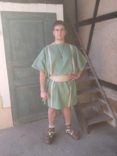 Les tuniques pour les légionnaires. 977569celer2
