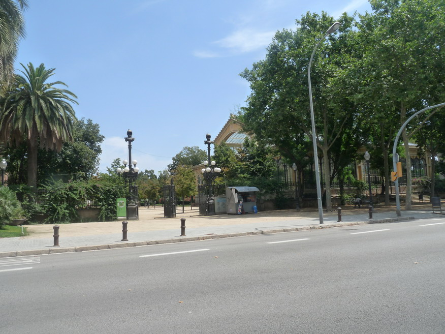 BARCELONA ..BELLISSIMA VAMOS REVENIDAD JUILLET 2011  - Page 24 977951P1200492