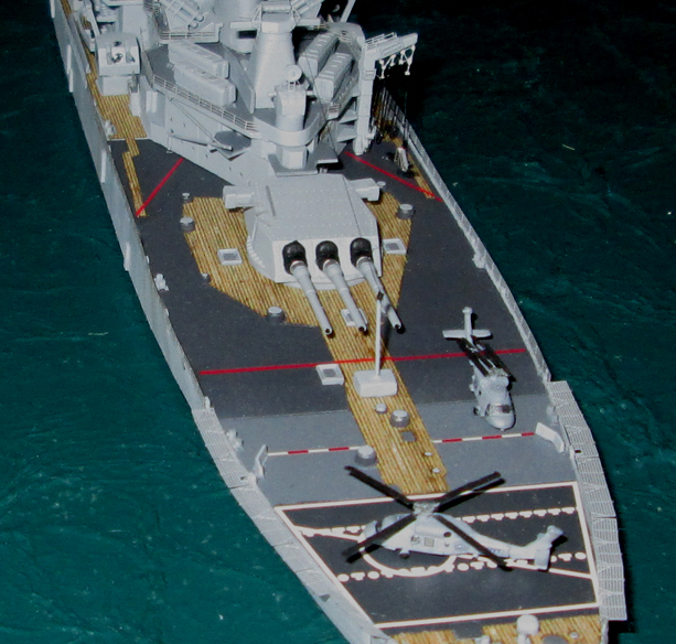 USS New-Jersey configuration année 90  1/700 982418IMG0539
