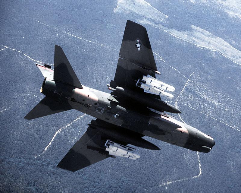 LTV A-7 Corsair II [NOUVELLE VERSION] 989265LTVA7DCorsairII77