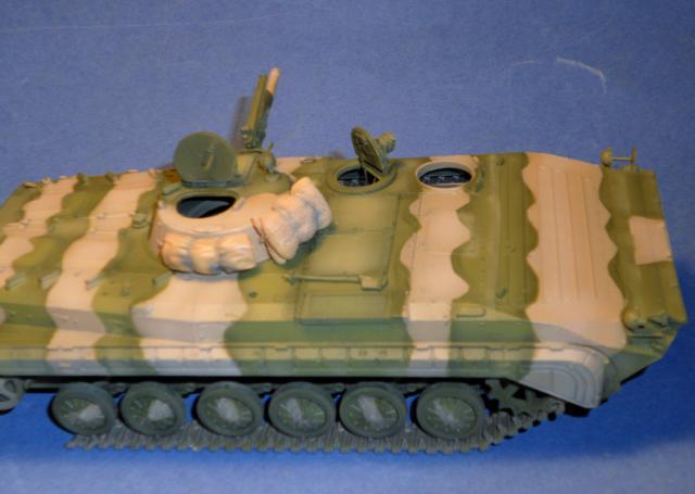 BMP-1 ESCI 1/35e 990639Aot2011075