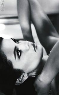 Selena Gomez - 200x320 997235vavaethna19